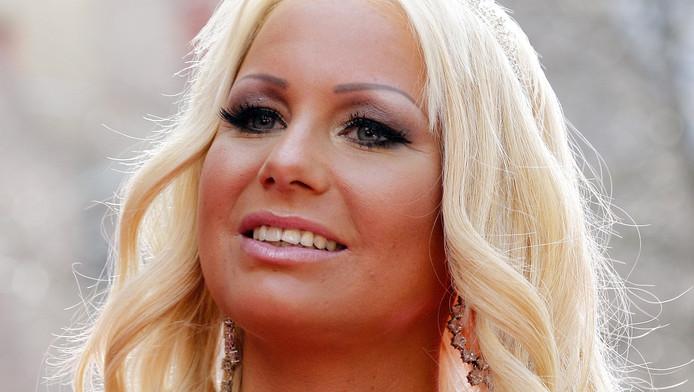 Barbie past naam bar aan naar Club Cherso | Sterren | AD.nl