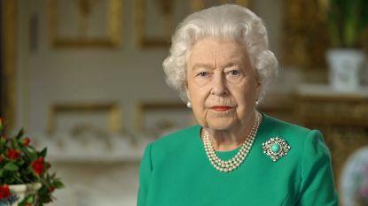 Van de broche tot haar woordkeuze: deze verborgen boodschappen zaten in toespraak van Britse Queen