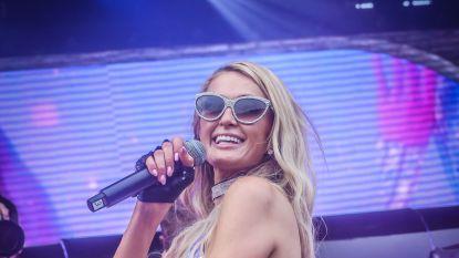 """Paris Hilton, de koningin van onze Belgische feestdag: """"I fucking love you, Belgium"""""""