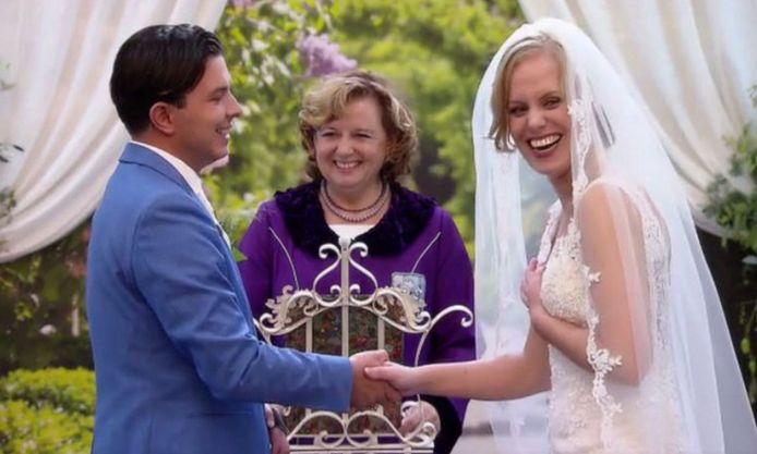 Nikolai en zijn chantal tijdens hun huwelijksdag