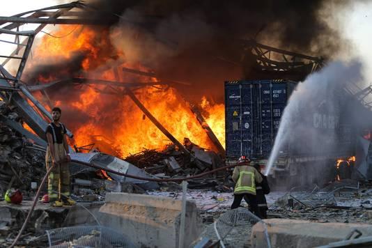 Explosie in Beiroet richt grote schade aan.