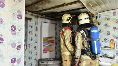 Elektrisch vuurtje zet badkamer in brand