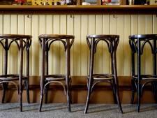 Geopende horecazaak in Dordrecht krijgt boete: bezoekers verstoppen zich in voorraadkamer
