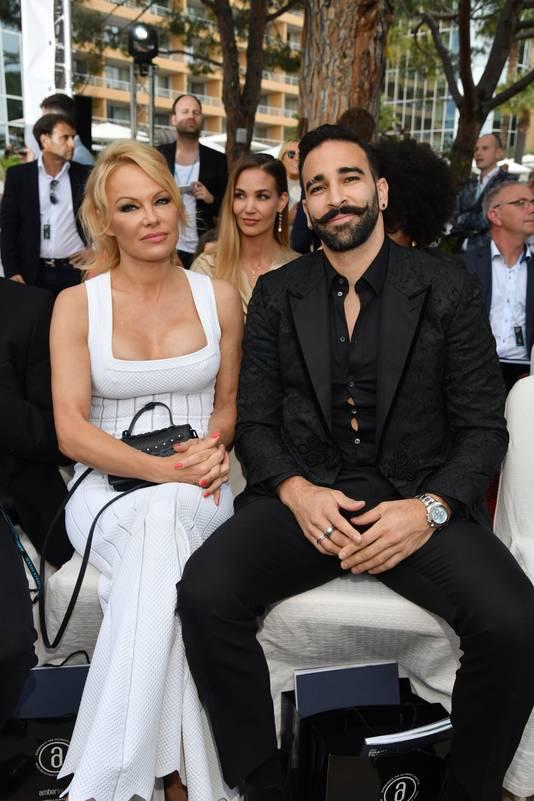 Pamela Anderson et son compagnon Adil Rami, à Monaco, le 24 mai 2019.