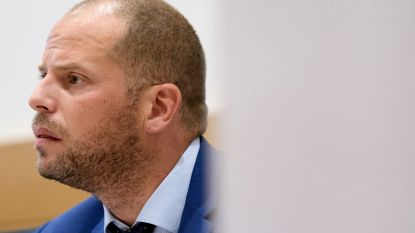 """Francken: """"Raadkamer vindt beroep van Servisch gezin tegen opsluiting ongegrond"""""""