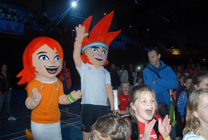 De mascottes Love en Ace waren ook present op het feestje