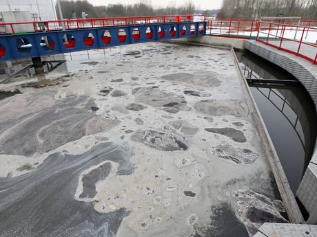 Politiek stelt vragen over lozing ammonium door mestbedrijf in Aa in Helmond