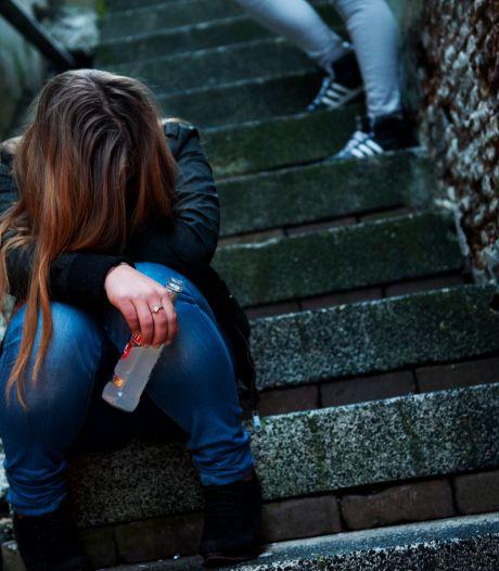 Tientallen boetes door alcoholverbod Almelose binnenstad