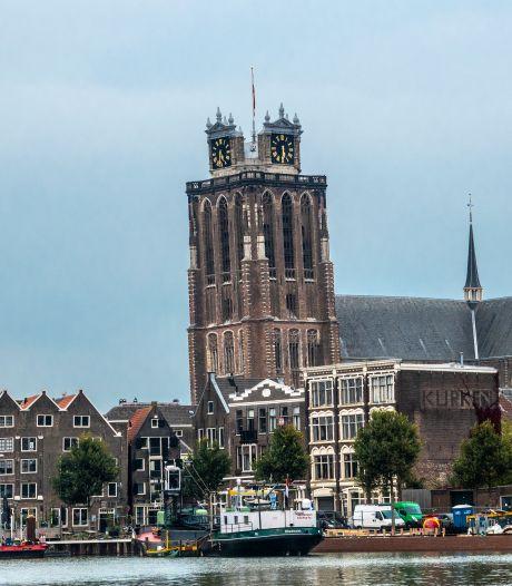 Vlaggenmast Grote Kerk breekt, eventjes geen vlag