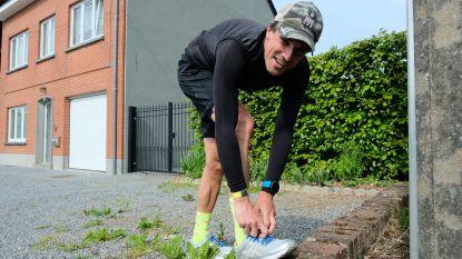 """Even een blokje om? Tervurenaar loopt marathon in eigen buurt """"om mensen hart onder de riem te steken"""""""