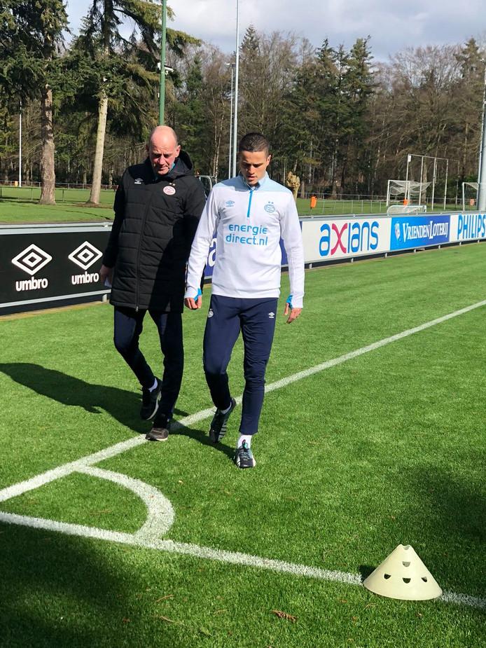Fysiotherapeut Ferd van Odenhoven en Ibrahim Afellay