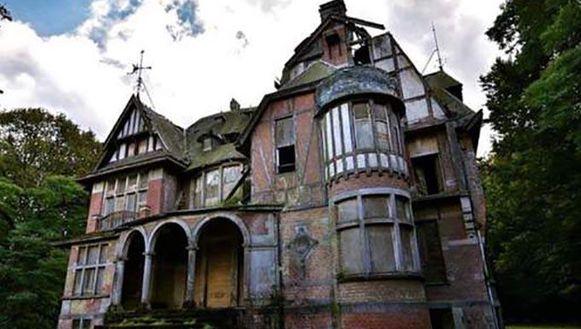 De bewuste villa Nottebohm staat op privé-domein. Amateur-fotografen dringen geregeld binnen.