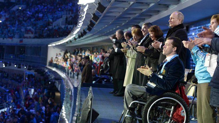 De openingsceremonie van de Paralympische Spelen in Sochi. President Poetin is aanwezig. Beeld reuters