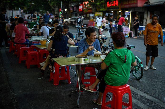 Het leven van de inwoners van Wuhan is grotendeels teruggekeerd naar normaal.