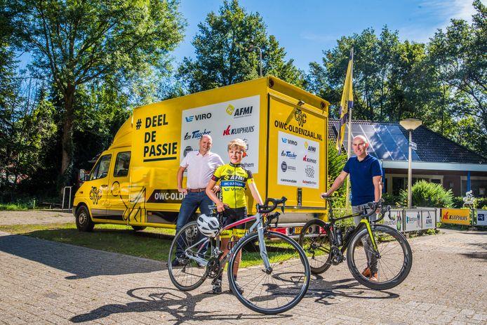 """Richard Mijnheer (links),  Jip de Jong en Jaap Hiestand (rechts) van OWC: """"Talent is van alle tijden."""""""