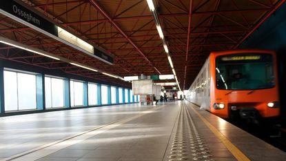 """Tiener komt om onder metro: """"Zelfmoordthese van tafel geveegd"""""""