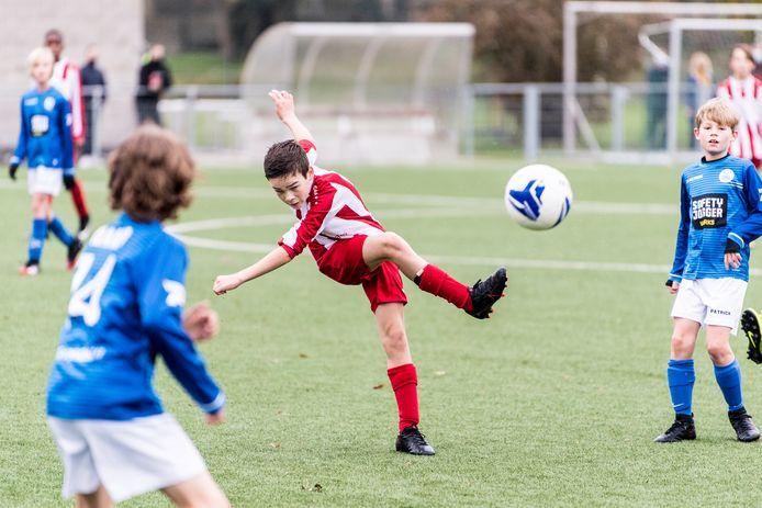De clubs uit eerste provinciale willen dat Voetbal Vlaanderen de competitie in het jeugdvoetbal stillegt