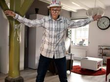 Dirk (30) uit Nijmegen doet graag de moves van Michael Jackson op zijn kamer