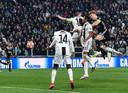 Matthijs de Ligt (r) maakt in Turijn de 1-2 in het Champions Leagueduel met Juventus.