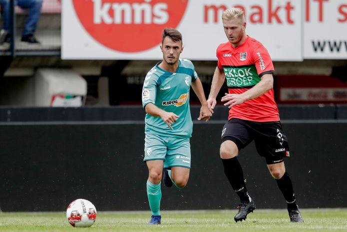 Mart Dijkstra in actie in de laatste oefenwedstrijd van NEC tegen het Spaanse Osasuna.