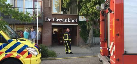 Woningbrand in Oldenzaal, bejaarde bewoner ademt rook in