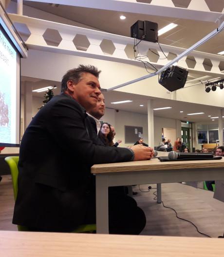 Vraag van een scholier aan een PVV'er: 'Wat als het in jouw land oorlog was?'