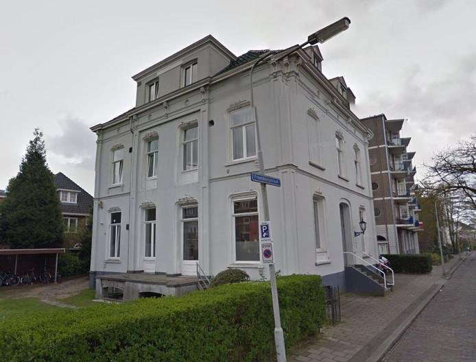 De villa aan de Frombergstraat.