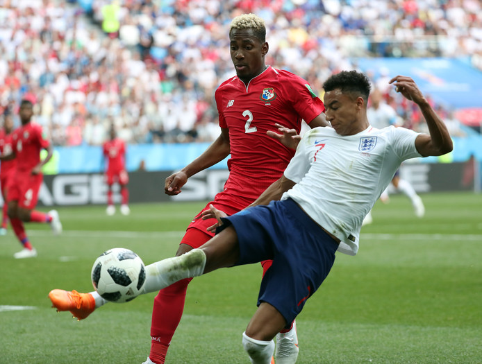 Michael Murillo in 2018 in actie op het WK namens Panama tegen Engeland.