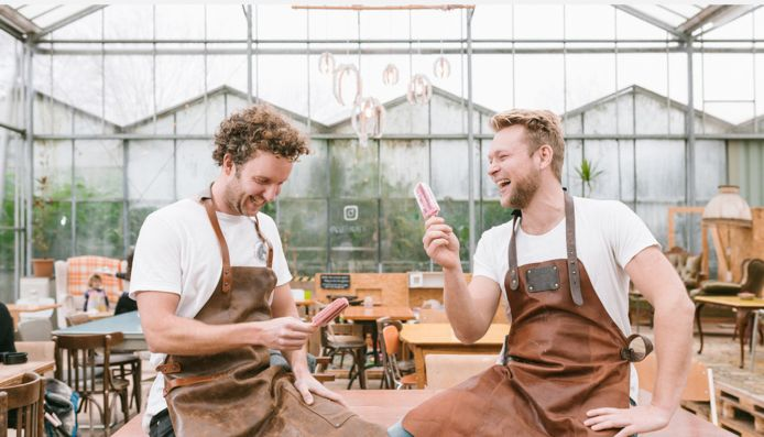 De mannen achter IJsbaart: Stefan Wijdenes (links) en Tijn Baart.