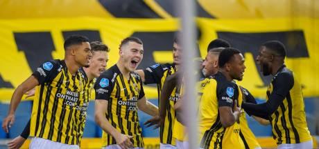 LIVE | PSV weer naast Vitesse: ook Boscagli kopt raak uit een hoekschop