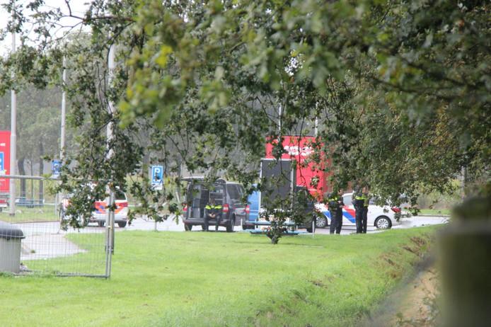 Er is een lichaam aangetroffen in een vrachtwagen langs de A1.