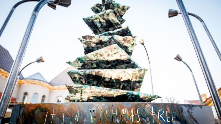 De 'KRJSTmas Tree'  in Maasmechelen Village.