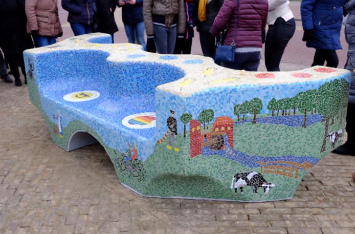 Het nieuwe 'kunstwerk' in het centrum van Vasse.