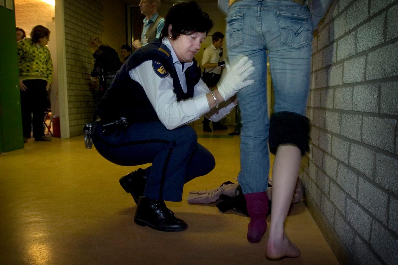 In 2007 hield de politie een grote drugscontrole op het Midden-Brabant College in Tilburg. Daarbij werden ook leerlingen gefouilleerd.