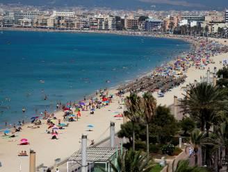 Spanje kleurt almaar roder: hoe erg is het? Hoe komt dit? En kan ik nog wel afreizen?