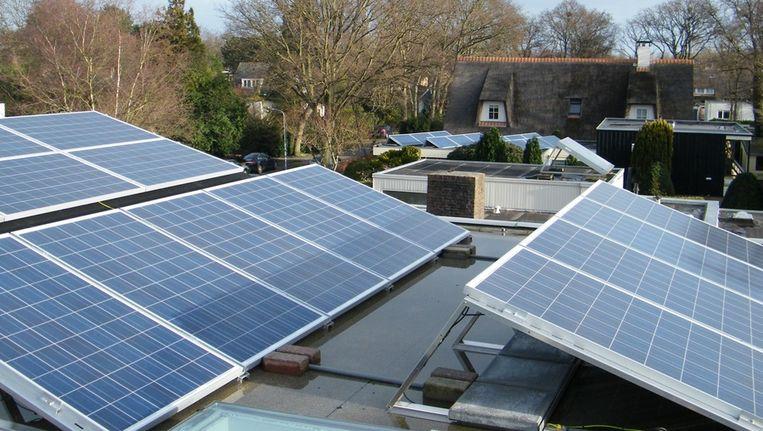 Zonnepanelen op steeds meer daken? Niet door de subsidiefopspeen die nu is bedacht.... Beeld