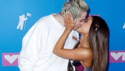 """Na een pijlsnelle verloving: """"Ariana Grande en Pete Davidson zijn uit elkaar"""""""