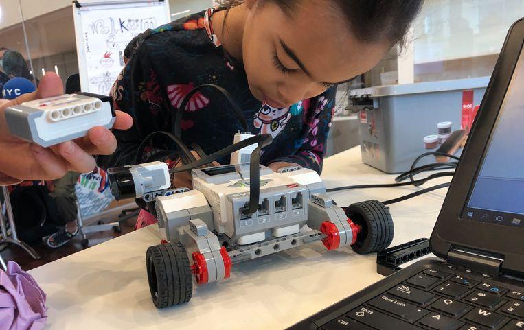 Robots bouwen op de tech bootcamp. Beeld