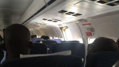 """""""Poef en ze was weg"""": passagiers beschrijven het moment dat deur uit vliegtuig valt"""