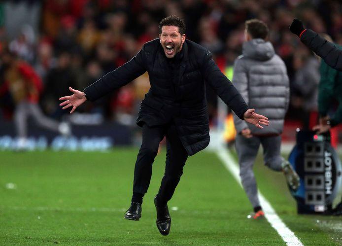 Diego Simeone wordt gek nadat zijn ploeg Liverpool heeft uitgeschakeld.