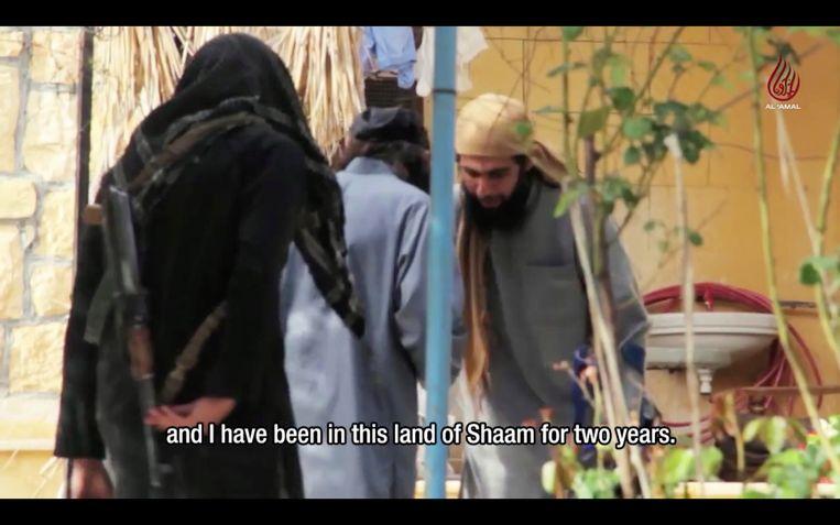 Khaldi komt in beeld onder zijn schuilnaam 'Abu Umayma al-Beljiki'.