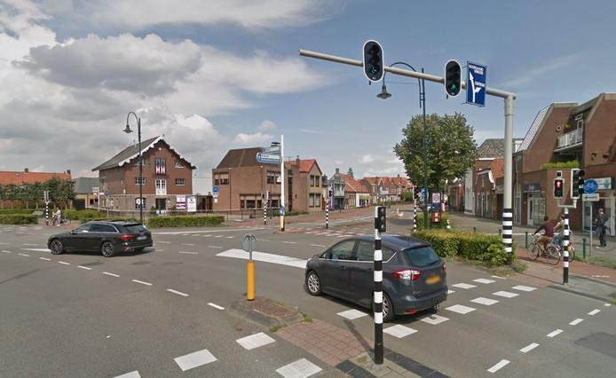 Het kruispunt Trommelen is een van de drukste kruispunten in Oosterhout. Volgens een bewoner van de Van Liedekerkestraat is de situatie 'onhoudbaar'.