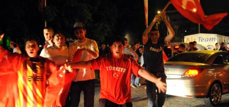VVD-raadslid noemt Turkse toeteraars 'tuig'