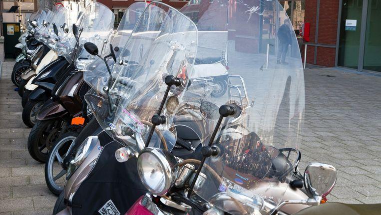 Het effect van een milieuzone voor scooters is nihil. Beeld Roï Shiratski