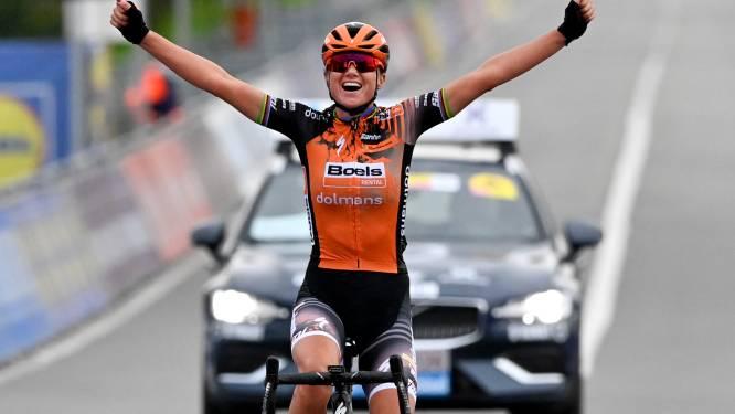 Chantal van den Broek-Blaak pakt de zege bij de vrouwen, Lotte Kopecky derde