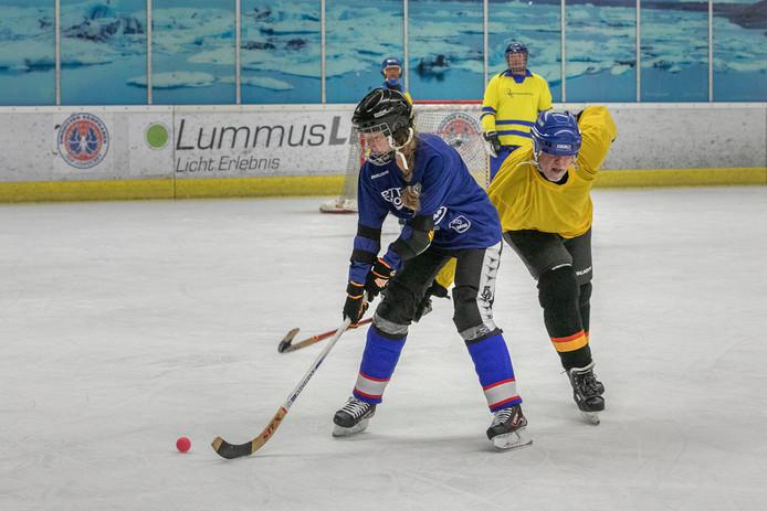 Terwijl heel Nederland van de zon genoot, stonden de deelnemers aan het EBC-Paastoernooi op het ijs in de Eindhovense Kunstijsbaan.
