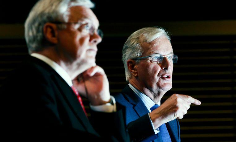 David Davis (L) en Michel Barnier (R) Beeld EPA