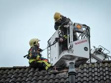 Brandweer rukt uit voor woningbrand Cornelis Sluijterstraat in Zwammerdam