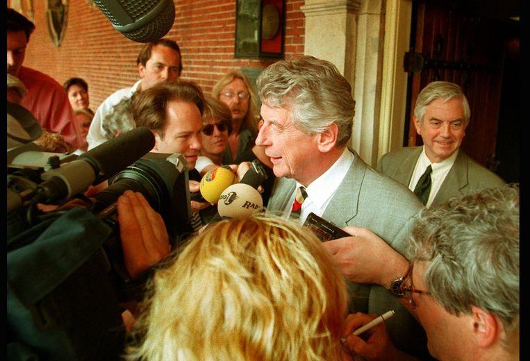 Wim Kok staat de pers te woord. Beeld anp