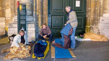 """Brussel mist structureel daklozenbeleid"""